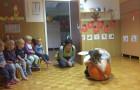 Gledališki dopoldnevi v medvedji in zajčkovi hišici